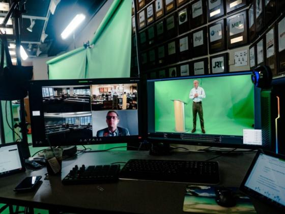 a new 3D immersive video solution that combines in-person, hybrid and online teaching