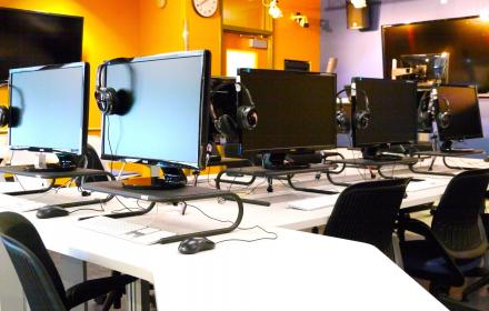 Multimedia journalism lab.